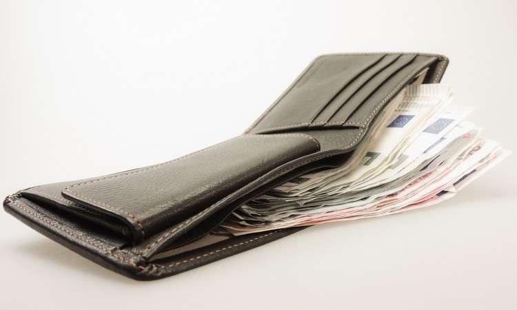Заговор на ваш кошелёк чтобы деньги были всегда